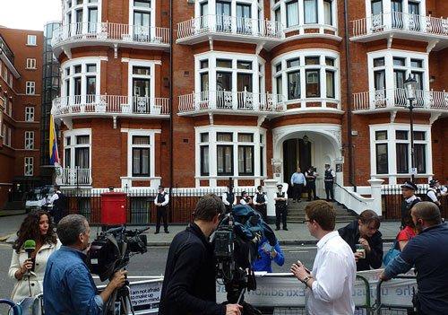 Ecuador says hidden microphone found in London embassy