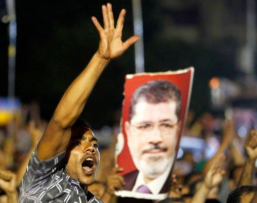 Brotherhood leader arrested, Egypt's Islamists call protests