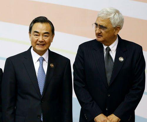 India, China will not rush to resolve border issues: Khurshid