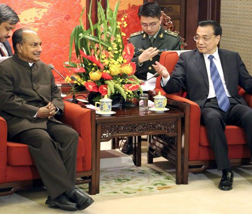 Antony calls for closer military ties between India and China