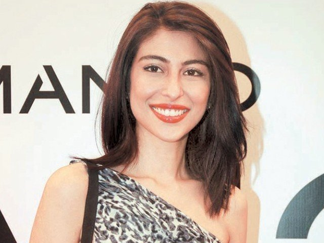 Another Pak actress debuts in Bollywood