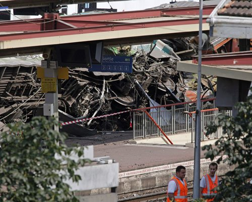 Search for answers after French rail crash kills six