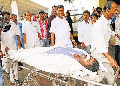 Contract employee attempts suicide at minister's office in Vidhana Soudha