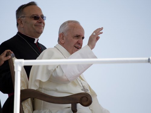 Pope ditches bullet-proof car for Brazil trip