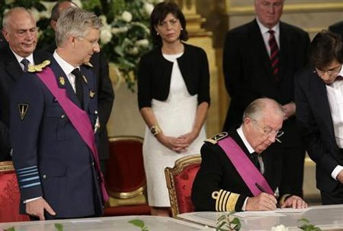 Philippe becomes king of Belgium