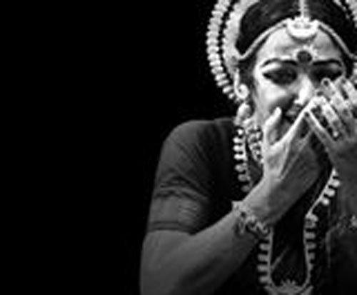 Puri priests manhandle Italian Odissi dancer