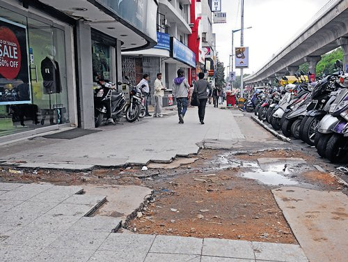 Beautify MG Road stretch  opposite Metro station: Traders