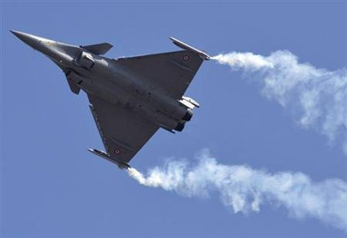 French minister to push for Rafale deal