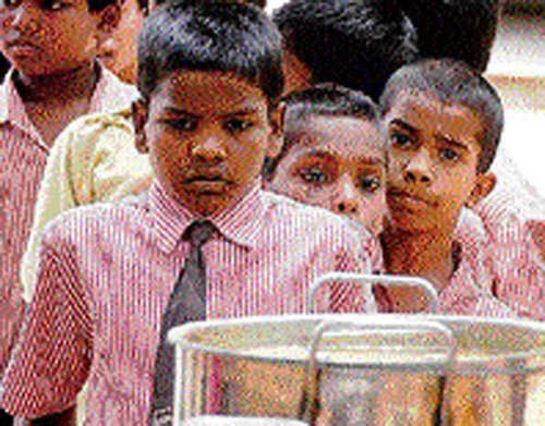 Students fall ill after consuming midday meal in MP, Goa
