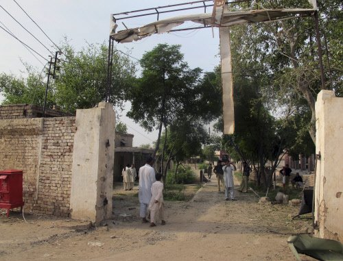 Taliban attack prison in northwest Pak; frees 250 militants