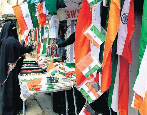 Letter to CM: Hoist flag made of non-BT cotton