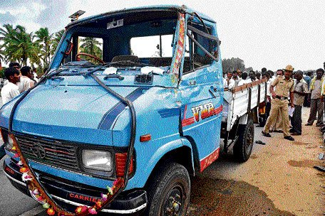 3 accidents claim 12 lives