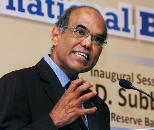 Subbarao hits out at govt; blames it for rupee dip, eco woes