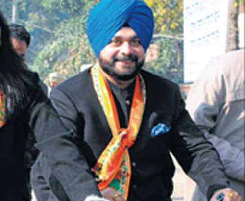 'Missing' Navjot Sidhu in Amritsar after eight months