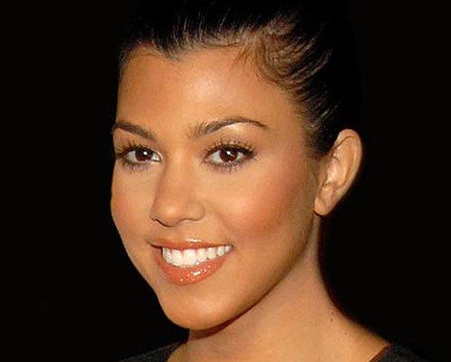 Kourtney Kardashian charges USD 150 to meet fans