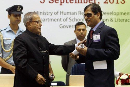 15 from Karnataka get best teachers' award