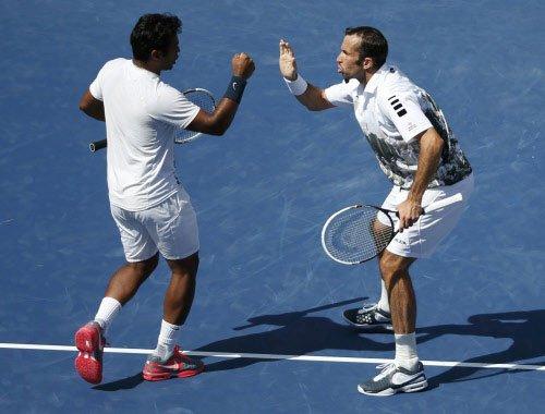 Paes-Stepanek storm into final; Nadal in semis