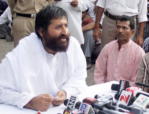 Now, Asaram Bapu's son lands in trouble