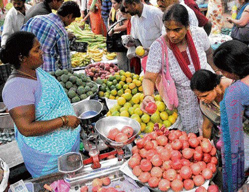 Flowers offset price advantage of fruits