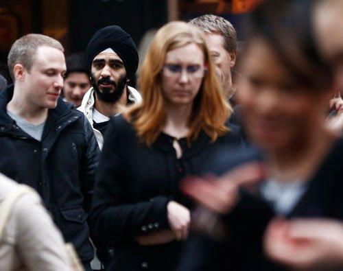UK Cabinet split over visa bonds for Indians