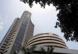 Sensex closes 215 points down, bank stocks plummet