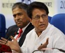 Mulayam trying to become Modi of UP: Ajit Singh