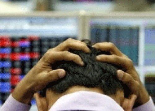 Sensex closes 72 points down; IT stocks lose