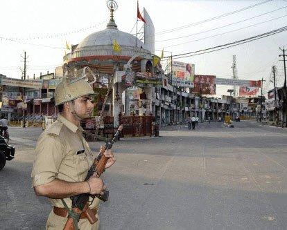 Muzaffarnagar peaceful, curfew relaxed