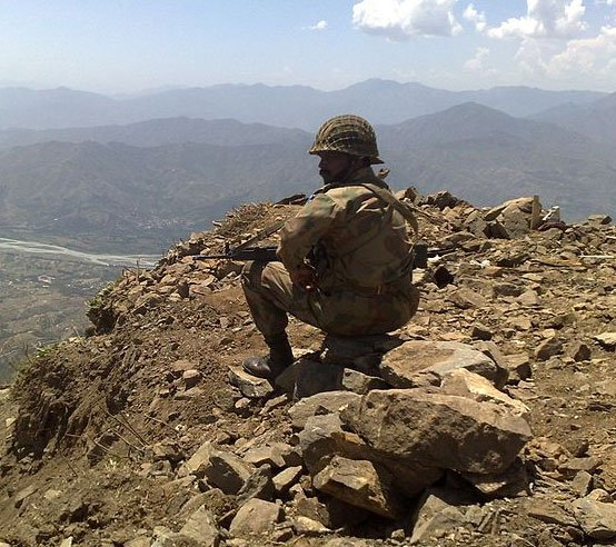 Pak army grappling with deserting officers