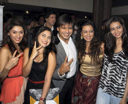 Party time for Vivek Oberoi, post 'Grand Masti' success