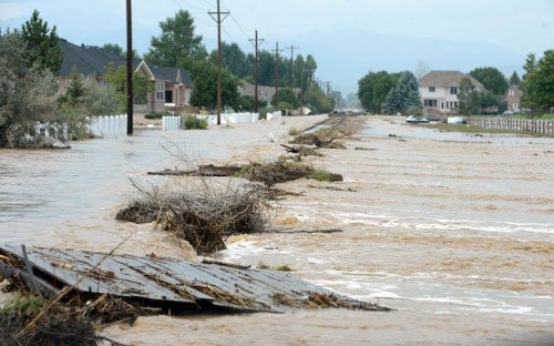 US: Colorado floods leave hundreds unaccounted for