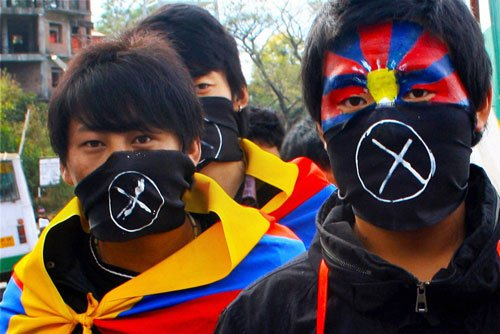 'China cracking down on Tibetan culture'