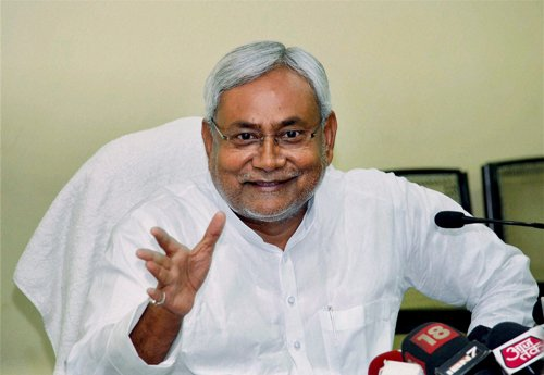 BJP's 'Iron Man' Advani has been left to rust: Nitish