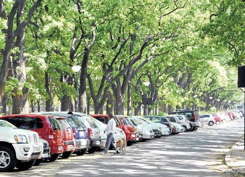 Upalokayukta wants vehicles banned inside Cubbon Park
