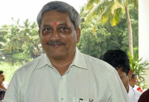 Clarify or apologise for bribery charges: Parrikar to Sunburn hosts