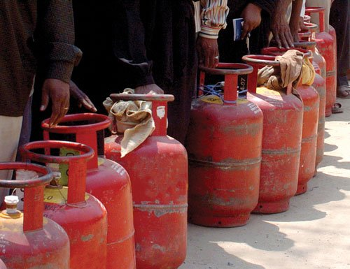 LPG buyers in six dists to pay market price from Feb 28