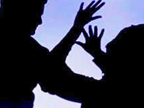 IAS officer's wife protests alleged harassment by her husband