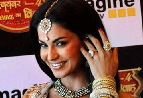 Doing intimate scenes with Ashmit was tough: Veena Malik