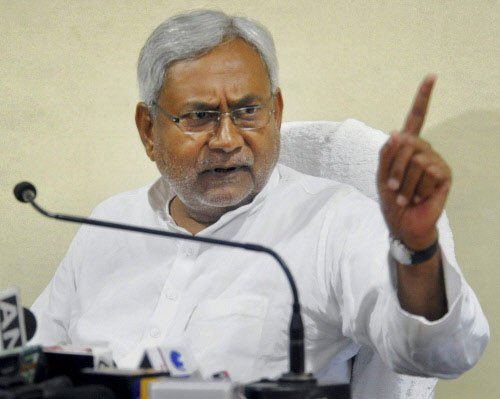 Modi supporters trying to muzzle dissent: Nitish