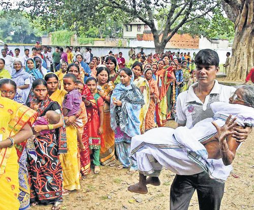 Four injured in Bengal civic poll violence