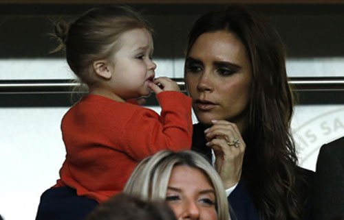 Victoria Beckham gets fashion tips from daughter