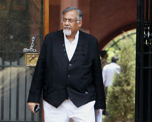 Attorney General threatened, caller posed as Sonia Gandhi