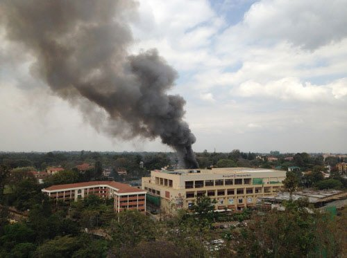 Gunfire, blasts as Kenyan troops battle to save mall hostages