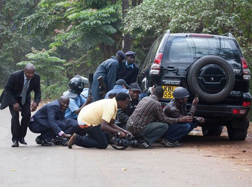 Hostages freed as Kenyan authorities take over mall