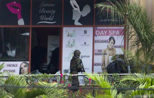 Troops fighting 'one or two' gunmen in Nairobi mall: security sources
