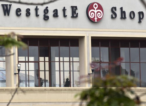 Islamists say still holding hostages in Kenya mall siege