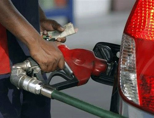 Govt puts onus of saving fuel, cutting cost on commuters