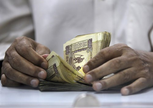 Govt announces 7th Pay Commission for central employees