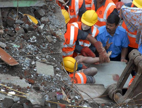 Scribe among 54 dead in Mumbai crash