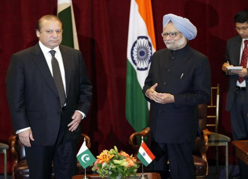 Singh invites Sharif to visit India